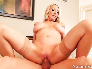 Johnny Castle gets hold of satisfaction from beating juicy Emma Starrs cum-hole