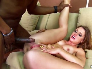 Scarlett beautiful has some sexually weird daydreams to be utter in manjuice flow action