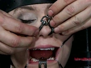 Punishing curvacious master in cage with deepthroat