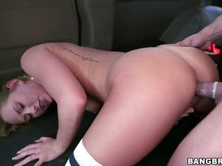 With round booty cant resist the frenzy to take erect secondary brain deep in her mouth