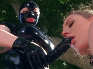 Samantha Bentley gets hold of her cooter pie stretched by homosexual chick Latex Lucy