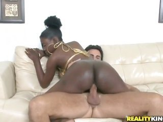 teen cocoa with hunky-dory bottom finds her fur pie so wet at a later time giving cavity job to Voodoo