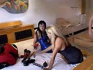 Brazilian gark-haired Lorena Aquino 20