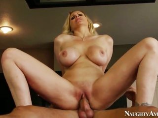 Danny Mountain explores the depth of sexy Julia Anns satureted cleft with his bar