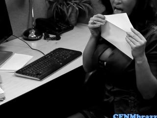 CFNM office lusciuos females hitting IT Mr.