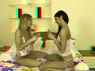 Porn Film 3D - Fem-Fem lover girlfriends dildoing in berth