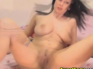 busty candy bird Fingering her tight Pussy