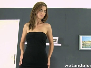 Office climax due to take a leak squirting brunette
